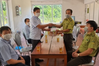 Lãnh đạo BQL VQG Phong Nha – Kẻ Bàng đi kiểm tra công tác phòng chống dịch bệnh Covid-19 và thăm hỏi, động viên viên chức người lao động